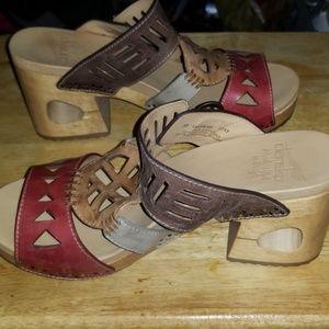 38115dd8f2f8 Dansko Shoes - DANSKO ORALEE WAXY MULTI GRAIN LEATHER CLOG SANDAL